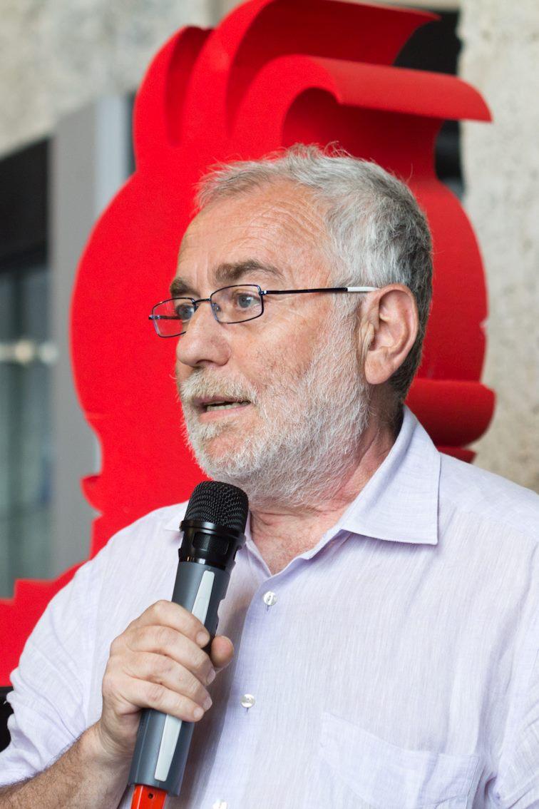 Francesco Langella, direttore della Biblioteca internazionale per ragazzi De Amicis, porta il saluto del SIstema Bibliotecario Urbano di Genova
