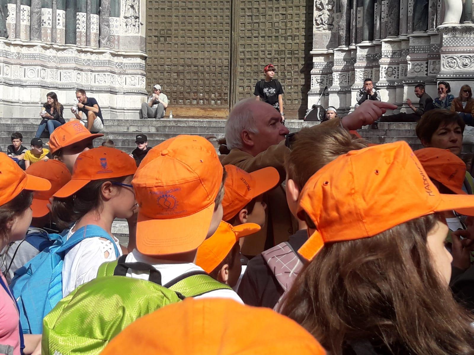 premio andersen_A SPASSO CON LE STORIE11_Alla cattedrale di San Lorenzo con Walter Fochesato
