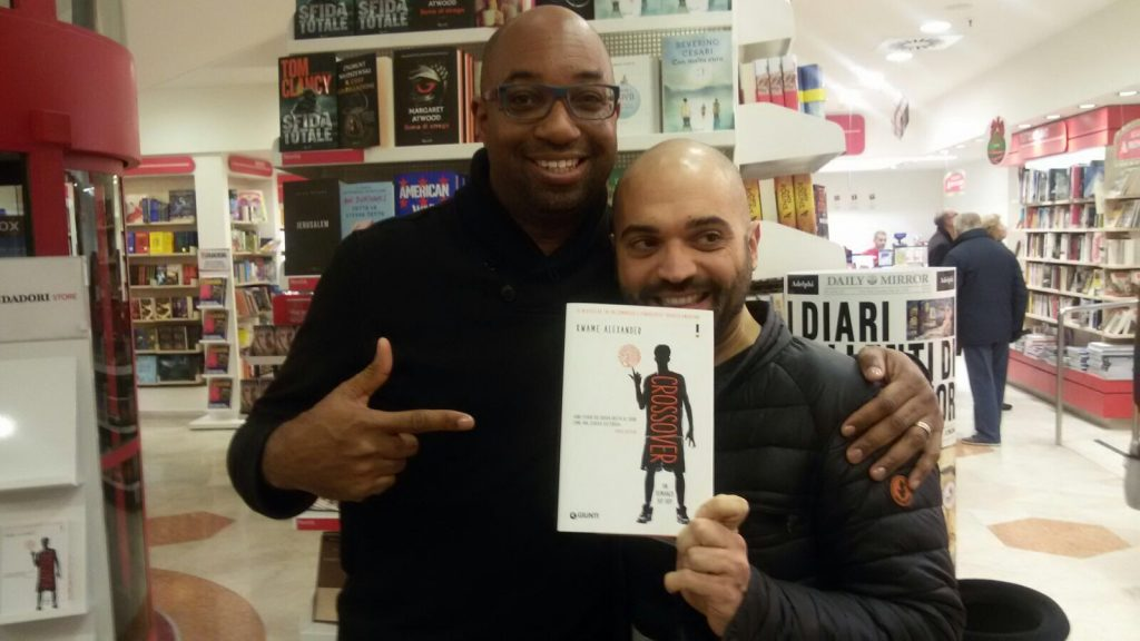 L'autore Kwane Alexander con il traduttore italiano